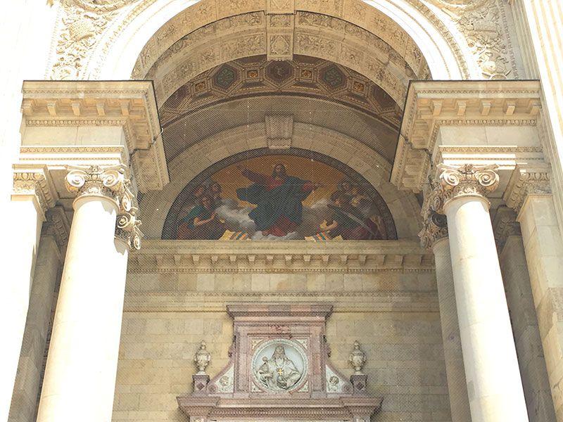 Visita a la Basílica de Budapest - Detalle de la fachada