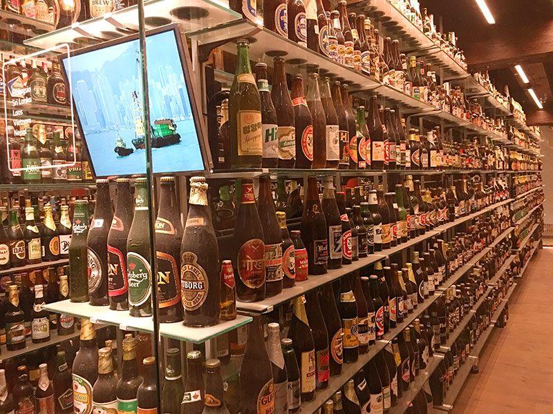 Visita a la fábrica Carlsberg - Copenhague - Antiguos botellines de cerveza