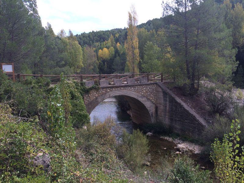 Yeste turismo rural - Puente de La Moheda, comienzo de la ruta a Las Fresnedas
